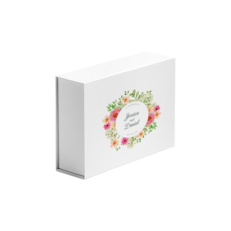 scatola in carta in pasta bianca abbattibile con calamite