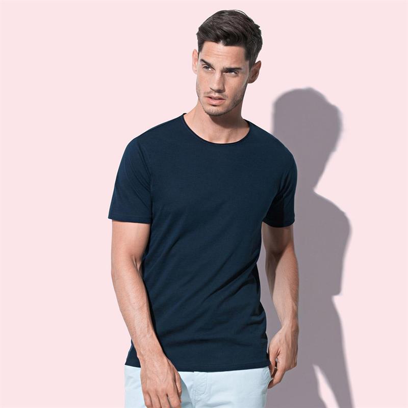 t-shirt da uomo in cotone blu filato ad anelli con girocollo